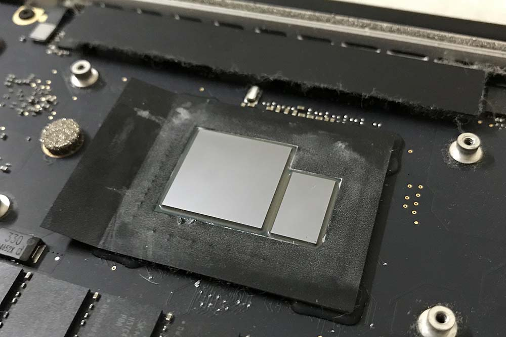 macbook-clean-old-thermal-paste