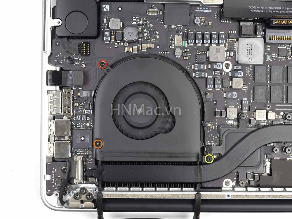 thay-pin-macbook-pro-2014-25