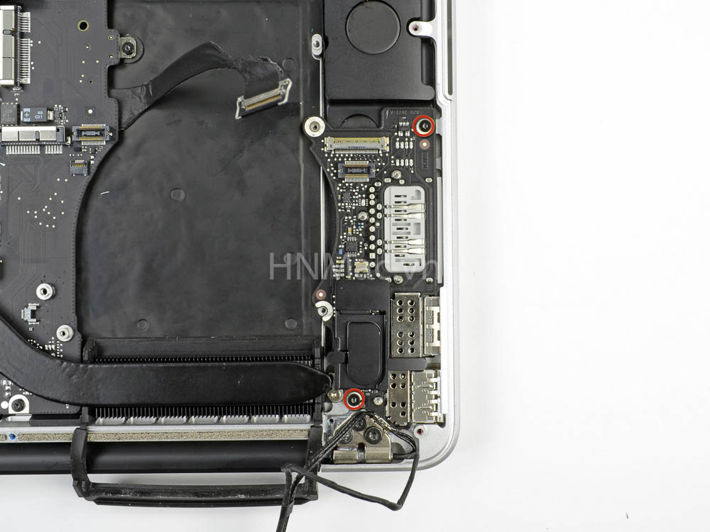 thay-pin-macbook-pro-2014-34